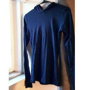 Tops - 🎀Black Long Sleeve Hooded Tshirt